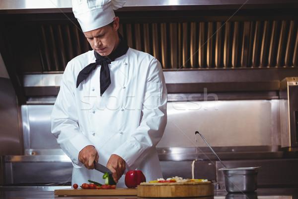 Szakács szeletel zöldségek étterem konyha kés Stock fotó © wavebreak_media