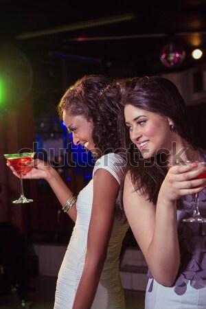 Porträt halten Glas Cocktail bar Stock foto © wavebreak_media