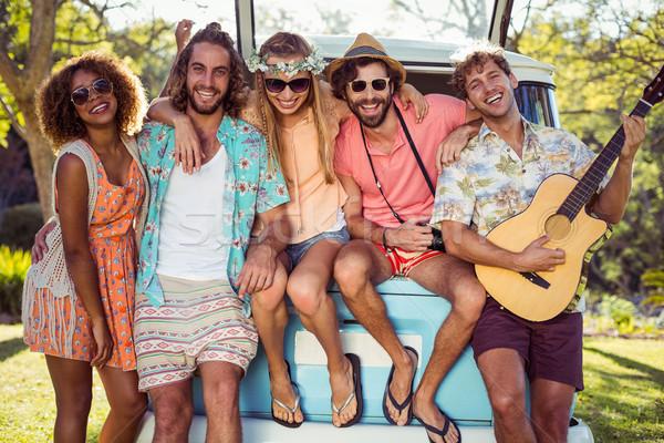 Groep vrienden muziekfestival glimlachend muziek Stockfoto © wavebreak_media
