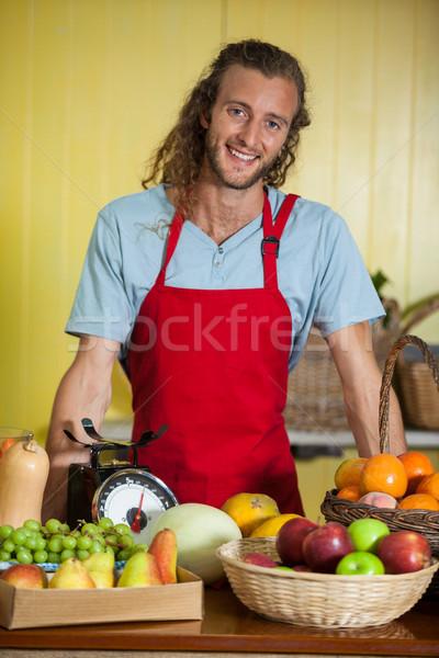 Portré mosolyog személyzet áll pult piac Stock fotó © wavebreak_media