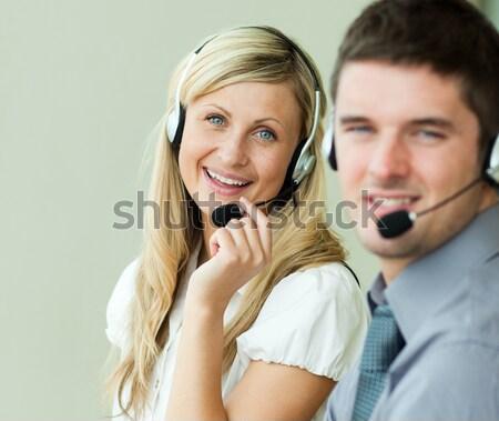 Młodych ludzi Internetu kobiet szczęśliwy pracy klawiatury Zdjęcia stock © wavebreak_media