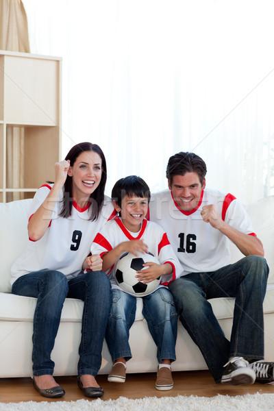 élénk futball gyufa család néz televízió Stock fotó © wavebreak_media