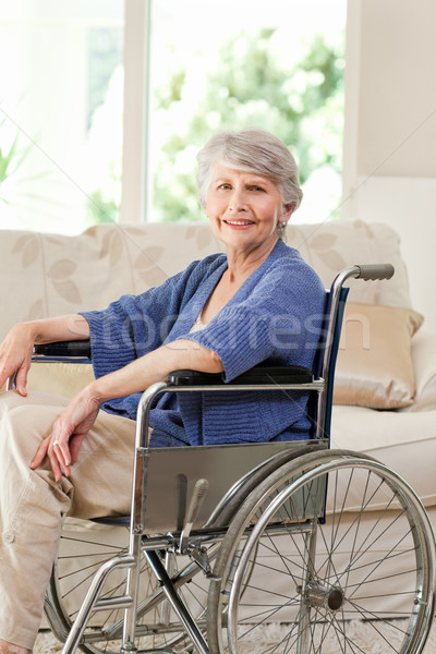 Pensione donna sedia a rotelle home medici salute Foto d'archivio © wavebreak_media