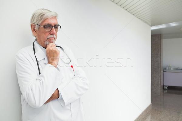 Stok fotoğraf: Doktor · duvar · koridor · hastane · düşünme