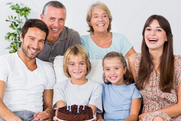 Foto stock: Sonriendo · familia · pastel · de · cumpleanos · mujer · nina