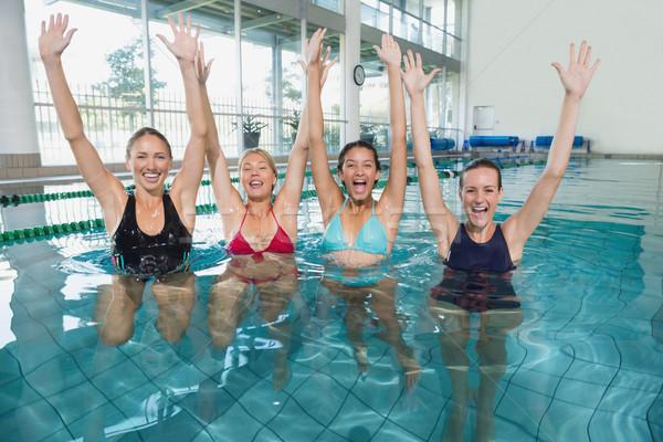 Vrouwelijke fitness klasse aerobics juichen Stockfoto © wavebreak_media