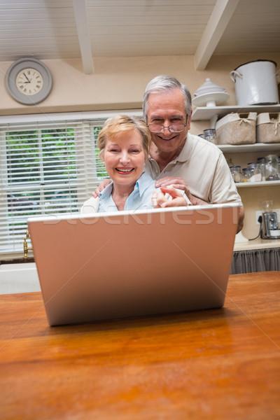 используя ноутбук вместе домой кухне компьютер Сток-фото © wavebreak_media