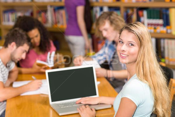 Főiskola diákok házi feladat könyvtár csoport lány Stock fotó © wavebreak_media