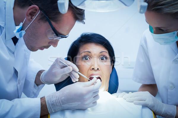 歯科 アシスタント 調べる 歯 男性 歯科医 ストックフォト © wavebreak_media
