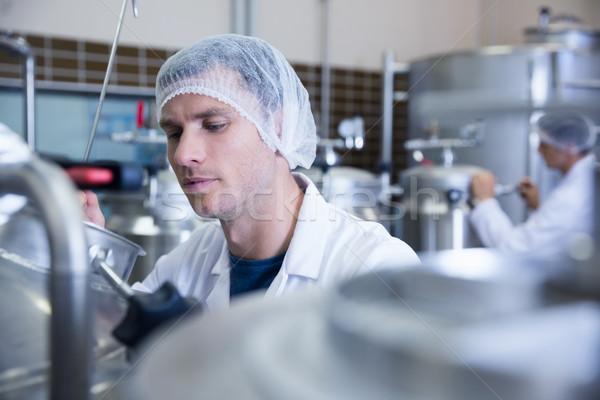 Om păr net fabrică Imagine de stoc © wavebreak_media