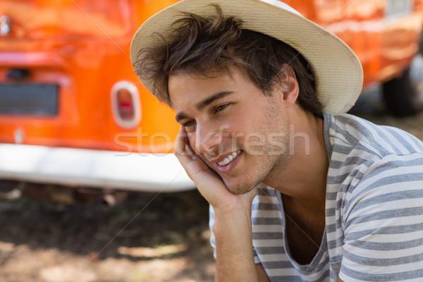 Man vergadering park kampeerder van nadenkend Stockfoto © wavebreak_media