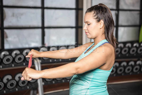 Mujer resistencia banda gimnasio fitness Foto stock © wavebreak_media