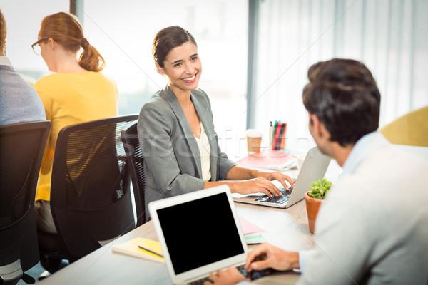 üzletemberek dolgozik laptop iroda üzlet számítógép Stock fotó © wavebreak_media