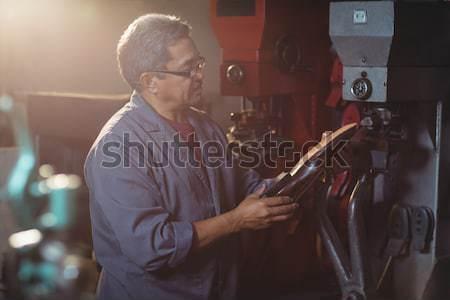 óra műhely figyelmes üzlet férfi asztal Stock fotó © wavebreak_media