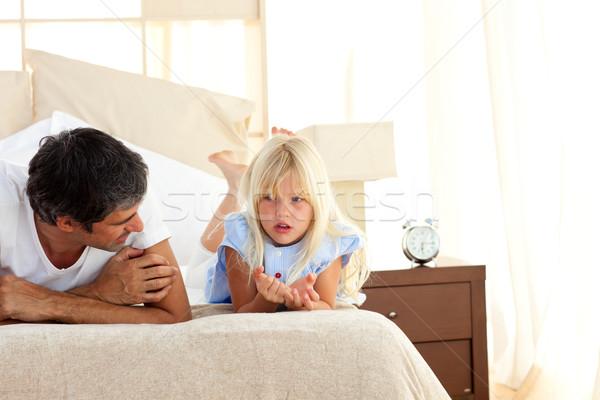 Attento padre parlando figlia famiglia ragazza Foto d'archivio © wavebreak_media