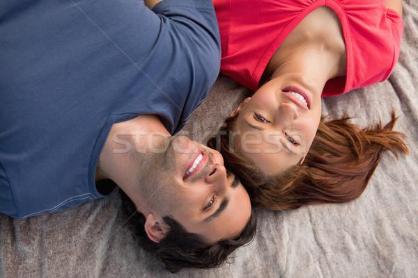 Dwa uśmiechnięty znajomych inny wygląd niebo Zdjęcia stock © wavebreak_media
