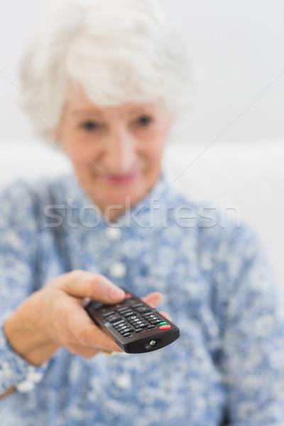 âgées femme distant accent coup Photo stock © wavebreak_media