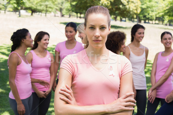 Vrouwelijke vrijwilliger borstkanker campagne portret park Stockfoto © wavebreak_media