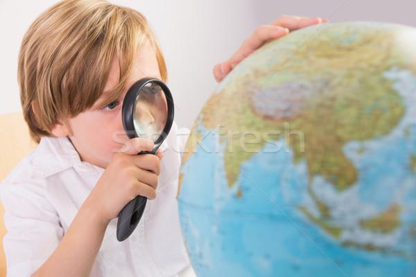 étudiant apprentissage géographie monde blanche papier Photo stock © wavebreak_media