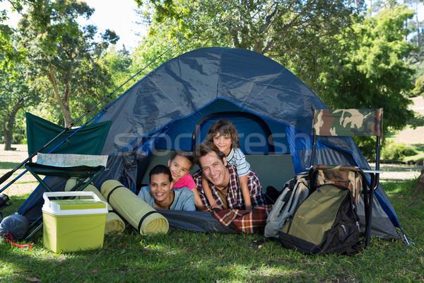 Boldog család kempingezés utazás sátor napos idő nő Stock fotó © wavebreak_media
