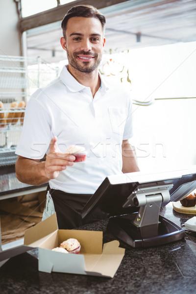 Mosolyog munkás üzlet étel férfi szerver Stock fotó © wavebreak_media