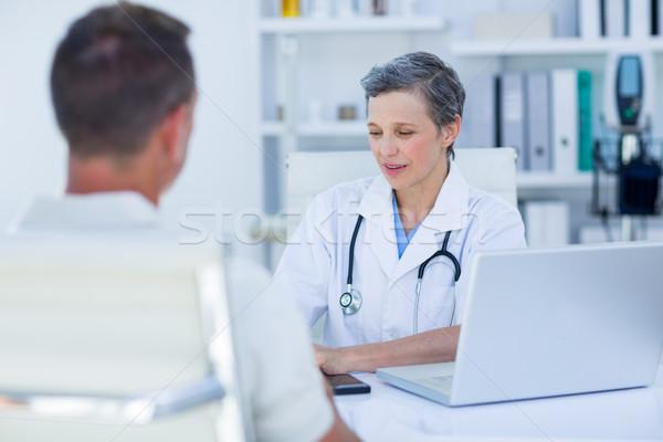 女性 医師 患者 医療 オフィス ストックフォト © wavebreak_media