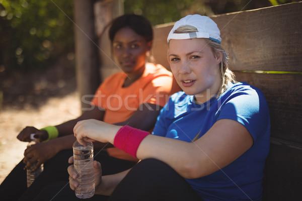 Portret znajomych relaks treningu boot Zdjęcia stock © wavebreak_media