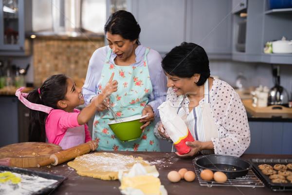 Gelukkig familie keuken home meisje Stockfoto © wavebreak_media