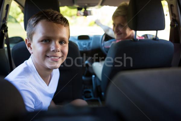 Babcia jazdy samochodu wnuk posiedzenia powrót Zdjęcia stock © wavebreak_media