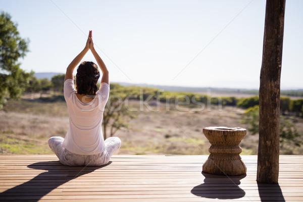 женщину йога доска Сток-фото © wavebreak_media