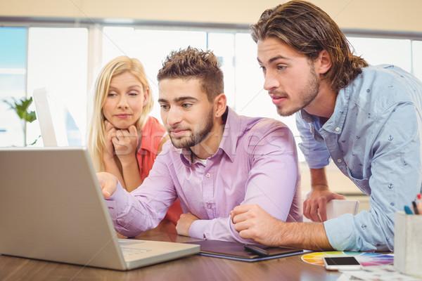 ビジネスの方々  焦点 ノートパソコン 創造 オフィス ビジネス ストックフォト © wavebreak_media