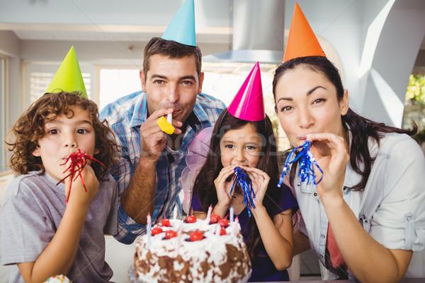幸せな家族 パーティ ホーン 歳の誕生日 お祝い ストックフォト © wavebreak_media