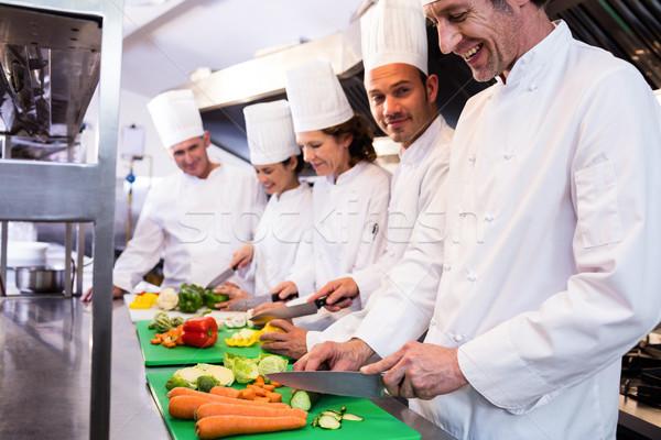 Team chefs groenten keuken Stockfoto © wavebreak_media