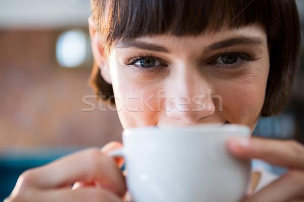 女性 カップ コーヒー カフェテリア 肖像 笑顔の女性 ストックフォト © wavebreak_media