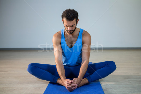 человека йога спортзал фитнес осуществлять Сток-фото © wavebreak_media