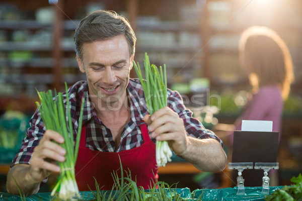 スタッフ 野菜 オーガニック セクション 笑みを浮かべて スーパーマーケット ストックフォト © wavebreak_media