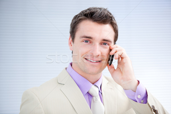 Affaires parler téléphone portrait bureau sourire Photo stock © wavebreak_media