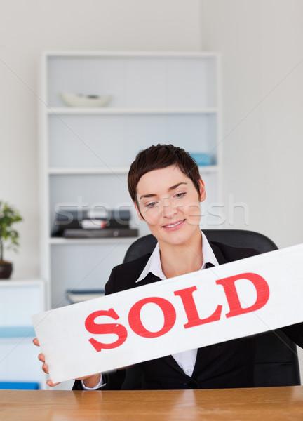 Corretor de imóveis painel escritório casa terno trabalhando Foto stock © wavebreak_media
