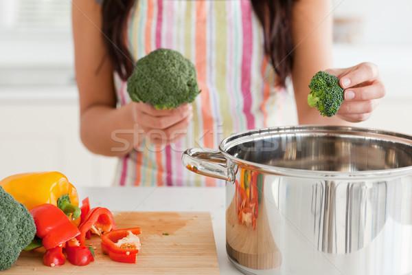 Stock fotó: Női · zöldségek · áll · konyha · nő · kezek