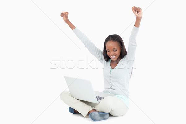 Fiatal nő nyújtás padló laptop fehér háttér Stock fotó © wavebreak_media