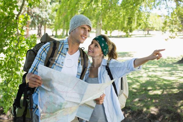 Aktif çift yürüyüş danışman harita Stok fotoğraf © wavebreak_media