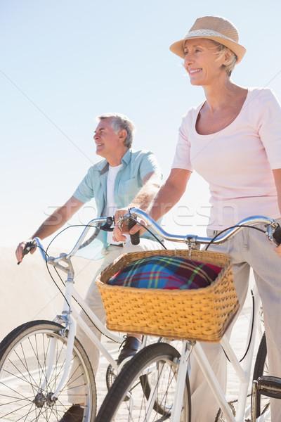 счастливым велосипедов человека пару Сток-фото © wavebreak_media
