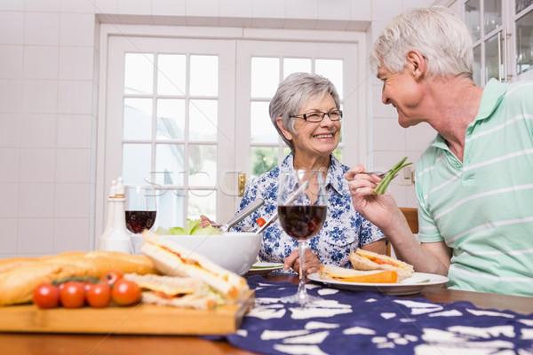 Starszy para obiad wraz domu kuchnia kobieta Zdjęcia stock © wavebreak_media