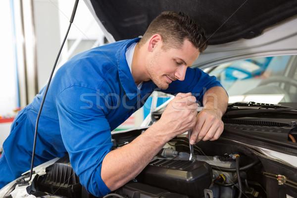 ストックフォト: メカニック · 調べる · 車 · 自動車修理 · ガレージ · サービス