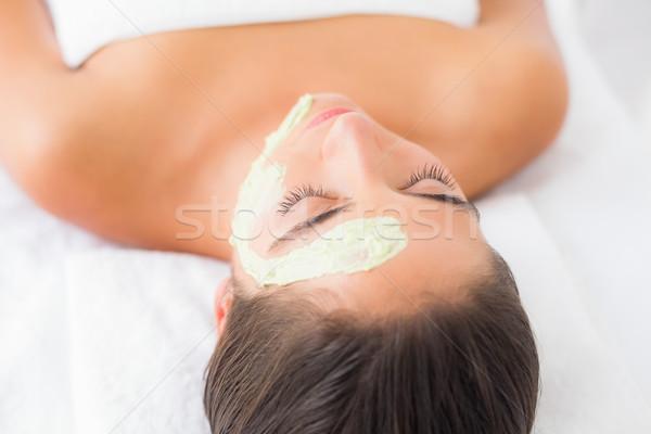 Gyönyörű barna hajú kezelés gyógyfürdő nő mosoly Stock fotó © wavebreak_media