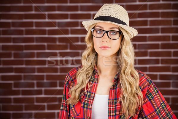 великолепный блондинка позируют портрет красный Сток-фото © wavebreak_media