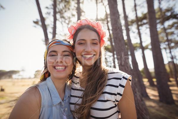 Portré derűs barátok áll mező erdő Stock fotó © wavebreak_media