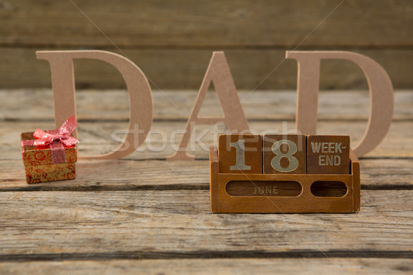 Közelkép apa szöveg asztal fa asztal fa Stock fotó © wavebreak_media