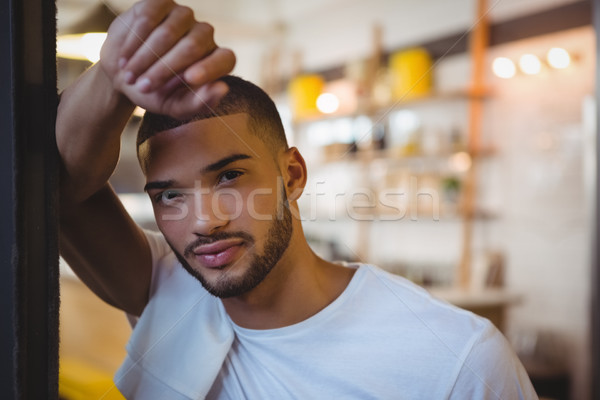 Portre yorgun garson kafe genç ayakta Stok fotoğraf © wavebreak_media