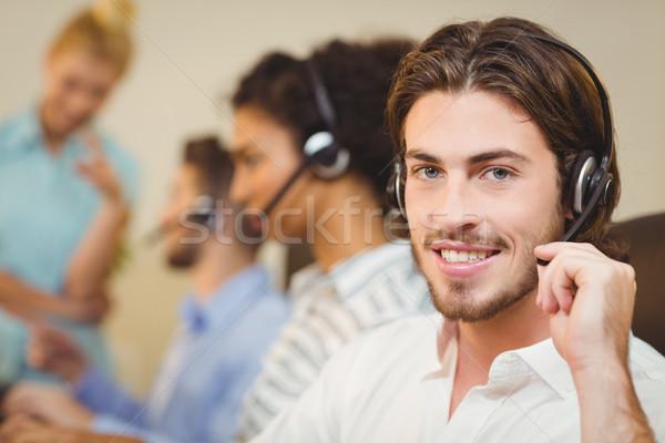 Homme employé travail centre d'appel portrait Photo stock © wavebreak_media